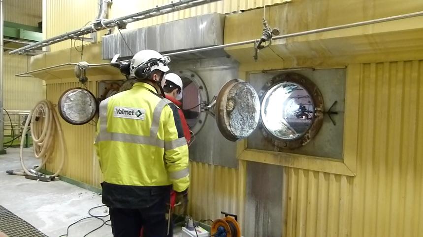 corrosion-monitoring-inspectors-drones
