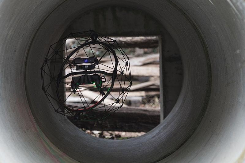 À L'INTÉRIEUR D'UNE INFRASTRUCTURE D'ÉGOUT À BARCELONE : L'INSPECTION PAR DRONE EST LA MEILLEURE RÉPONSE À UNE URGENCE ENVIRONNEMENTALE